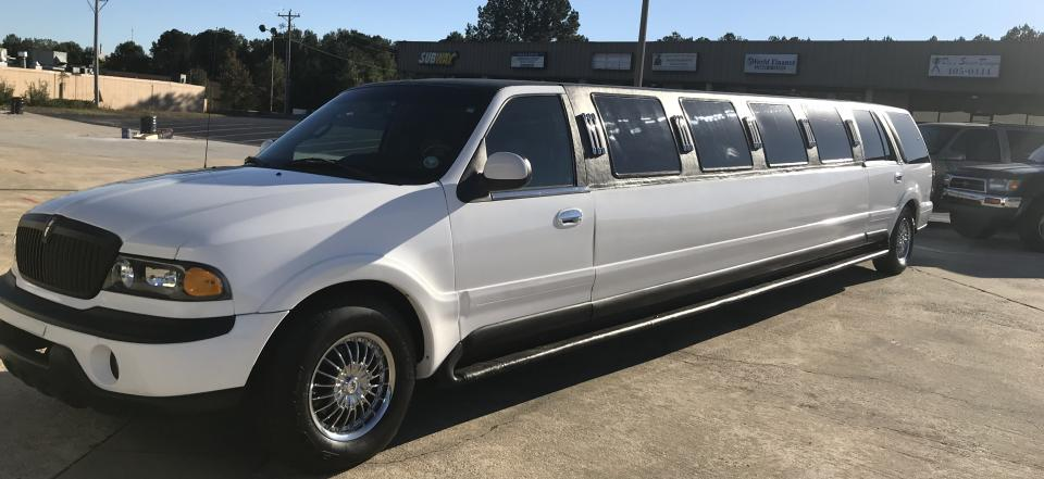 Look like an A-lister when you travel in our White Lincoln Navigator!